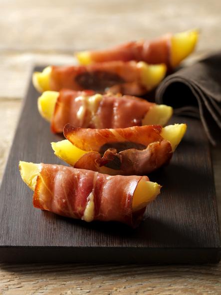 Brambory ve slaninovém kabátku